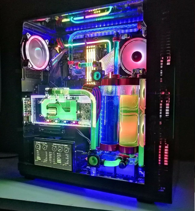 イギリス ロンドン カスタマイズPC製造 遠隔修理 専門会社 PC-Manager.co.uk 製造の水冷システムServerサンプル写真1