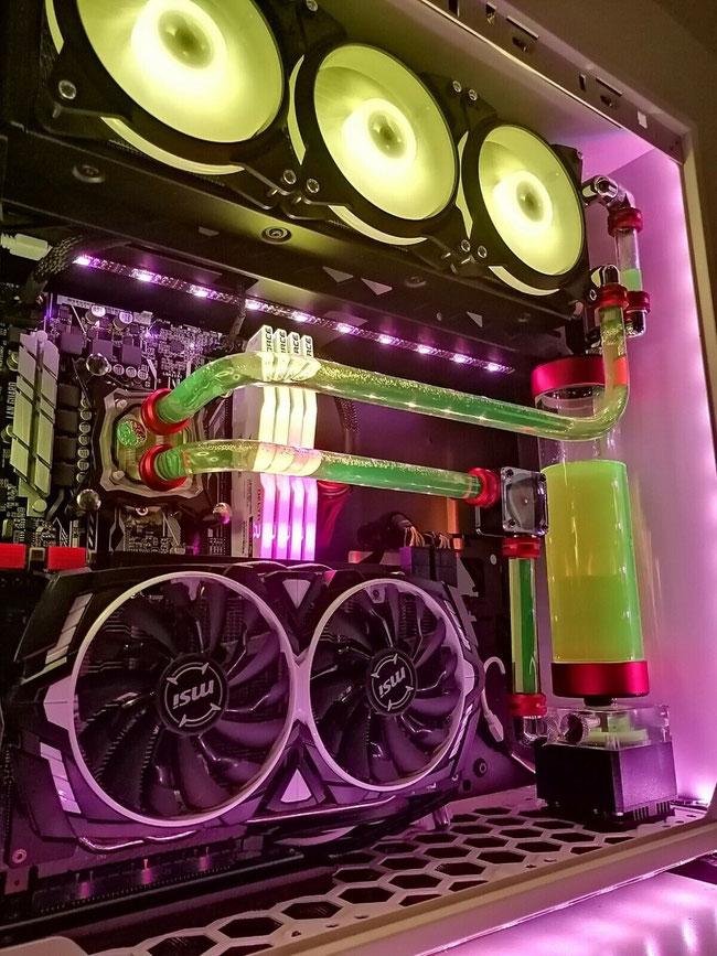 イギリス ロンドン 水冷式カスタマイズPC製造 専門 PC-Manager.co.uk 製造の水冷システムPCサンプル写真04