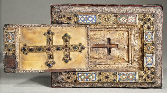 Reliquaire de la Vraie Croix avec couvercle à glissière, XIe et XIIe siècles, Constantinople © Musée du Louvre.
