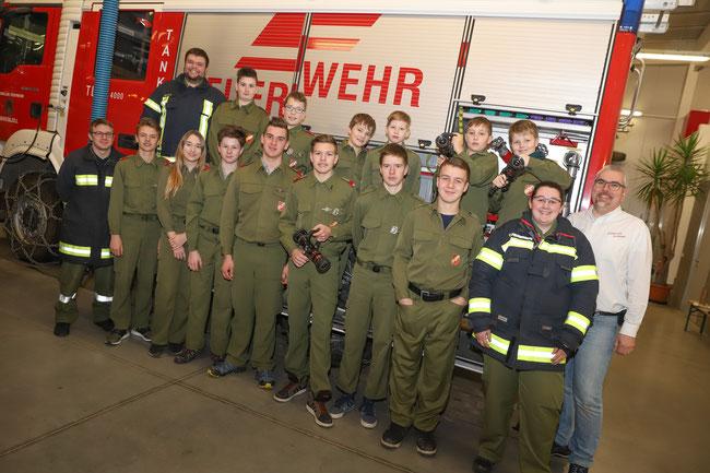Feuerwehrjugend der FF_Eberstalzell mit Jugendbetreuer und Kommandant Wolfgang Scheureder