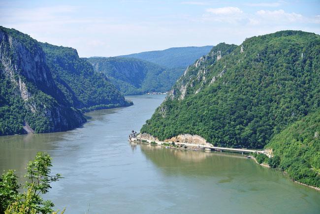"""Noch ein letzter Blick auf den Taldurchbruch """"Eisernes Tor"""" ehe wir uns ins serbische Hinterland aufmachten."""