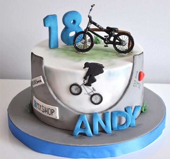 pastel de cumpleaños de bicicleta