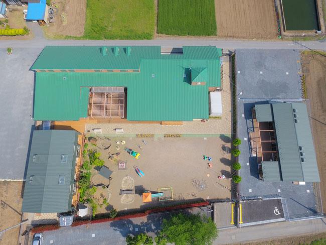 花園第二こども園(左)・花園第三保育室&地域子育て支援センター「オアシス」(右)