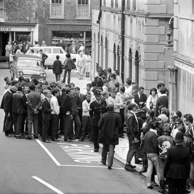 Mods and Rockers queue up quite nicely outside the old Margate Magistrates, 1964