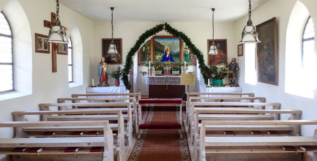 Bild: Die kleine Kapelle von Birgsau bei Oberstdorf