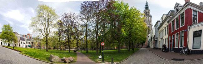 Bild: Einer der ruhigsten Plätze in Groningen, der Martinikrichhof