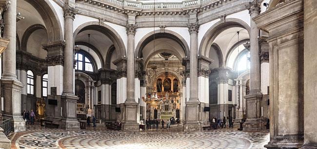 Bild: Santa Maria della Salute von Innen