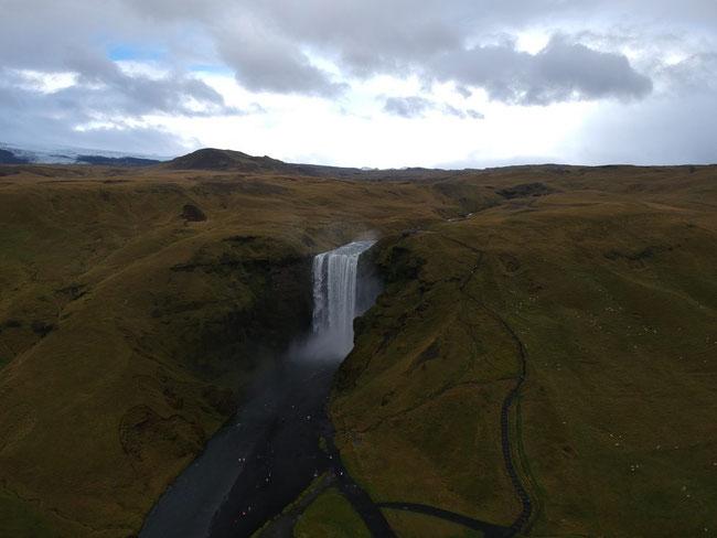 Der Wasserfall von Skógafoss