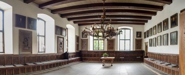Bild: Sitzungssaal im Rathaus