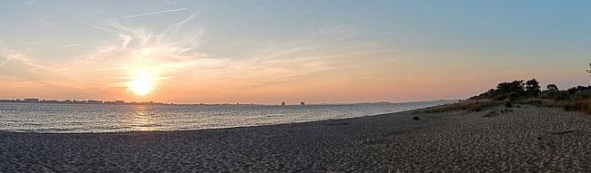 Bild: Foto vom Sonnenaufgang von der Insel Krautsand