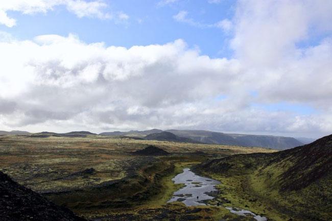 Die Landschaft auf dem Weg zum Vulkan