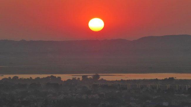 Bild: Sonnenuntergang in Mandalay / Myanmar