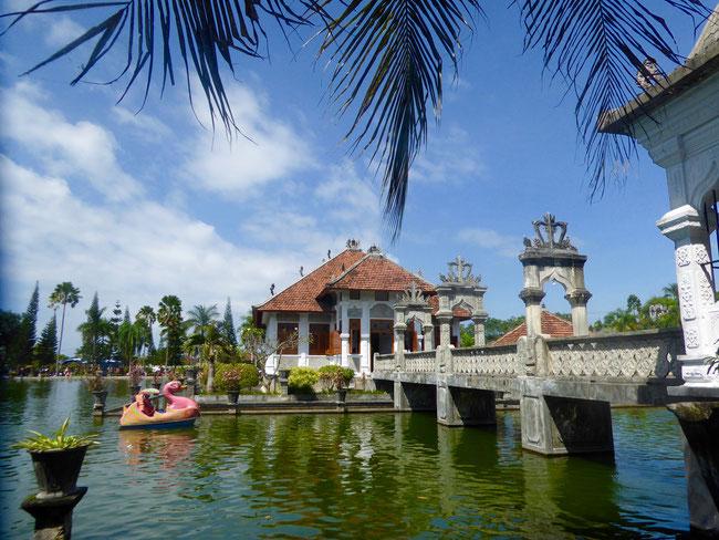 Bild: Königlicher Wasserpalast Taman Ujung an der Ostküste von Bali