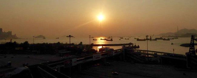 Bild: Sonnenuntergang in Hongkong