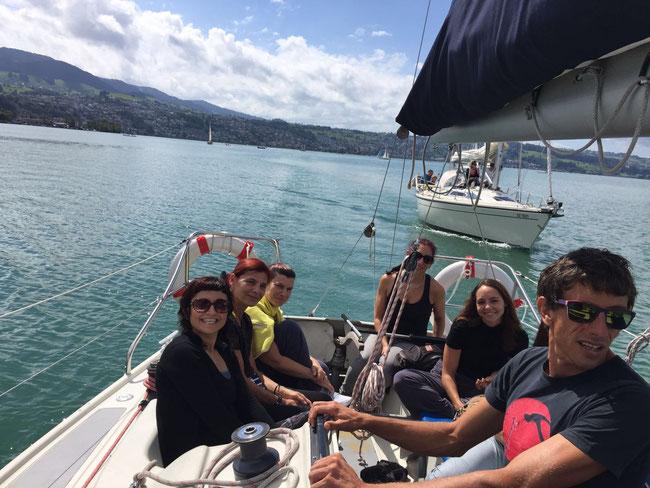 sailingzuerich, sailing zuerich,  segelschule, zürichsee, firmen events, richterswil, stäfa, segeln, zuerich, einzelunterricht, gruppenkurse, auffrischungskurse, segelkurs, joga sailing