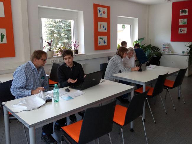 Freiwilligen-Zentrum Neusäß - Computer- und Handyübungsstunde