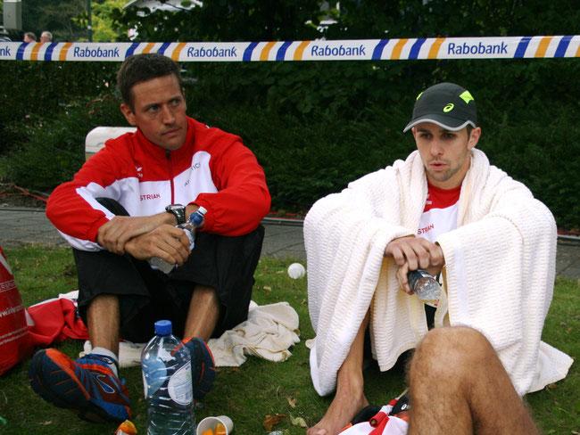 Gemeinsam mit Andi Sageder (links) im Zielbereich des 100km-Laufs von Winschoten