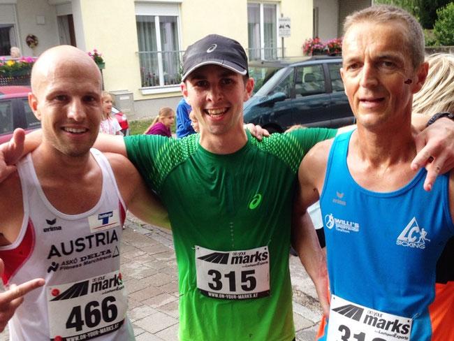 Tagessieg beim Gunskirchner Marktlauf 2015 vor Stefan Aichinger (links) und Leo Wölflingseder (rechts)
