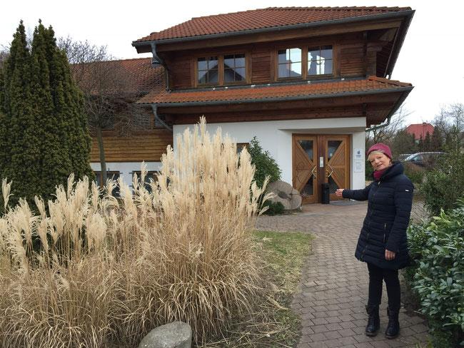 Haupthaus mit Gastronomie, Anmeldung und Umkleide(Foto: Meinert)
