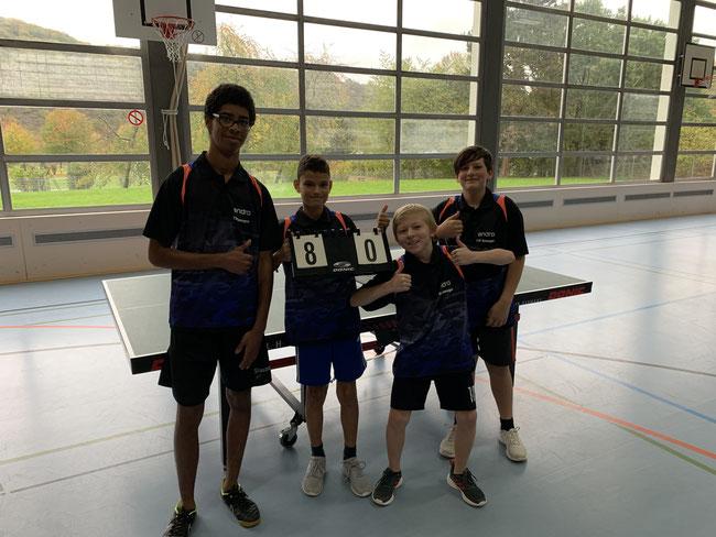 Vierter Sieg im vierten Spiel für die Jugendmannschaft (v. l. Jody Adamou, Ilias Dipper, Nick Peters und Joschka Mertmann)