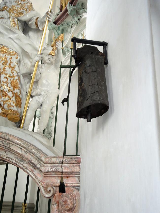 Die Gallusglocke, angeblich die älteste läutbare Glocke in der Schweiz.