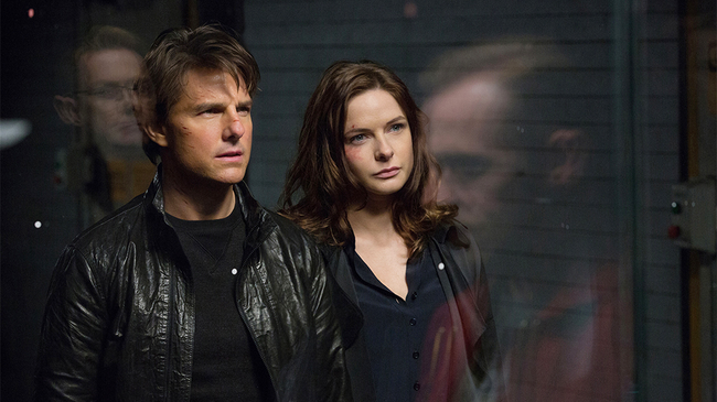 Tom Cruise & Rebecca Ferguson in Mission: Impossible - Rogue Nation