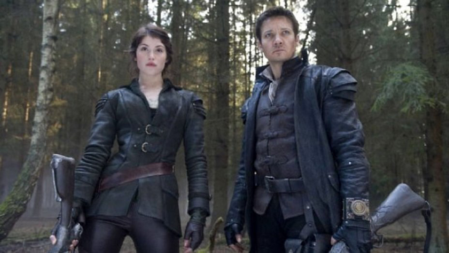 Gemma Arterton & Jeremy Renner in Hansel & Gretel: Witch Hunters