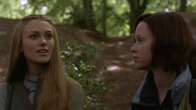 Keira Knightley & Thora Birch in The Hole