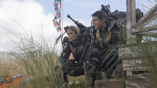 Emily Blunt & Tom Cruise in Edge of Tomorrow