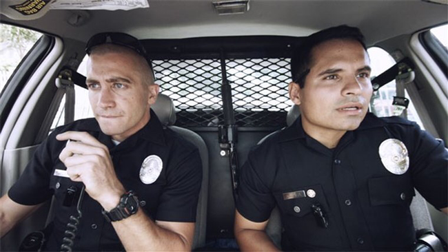 Jake Gyllenhaal & Michael Peña in End of Watch