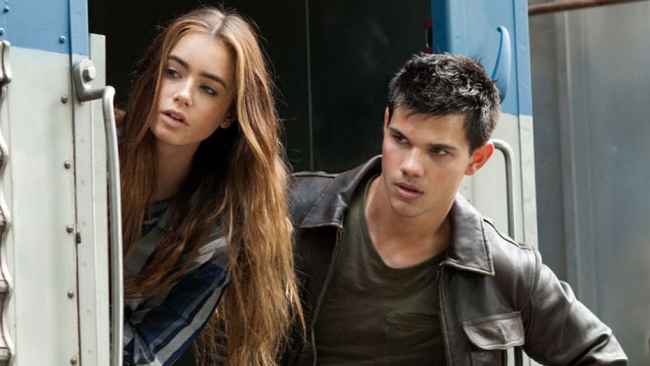 Lily Collins & Taylor Lautner in Abduction