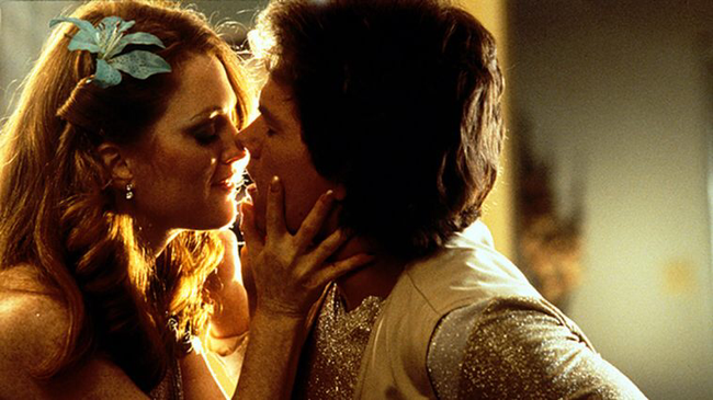 Julianne Moore & Mark Wahlberg in Boogie Nights