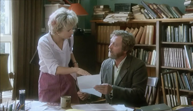 Julie Walters & Michael Caine in Educating Rita