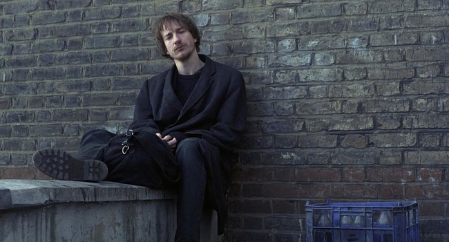 David Thewlis in Naked