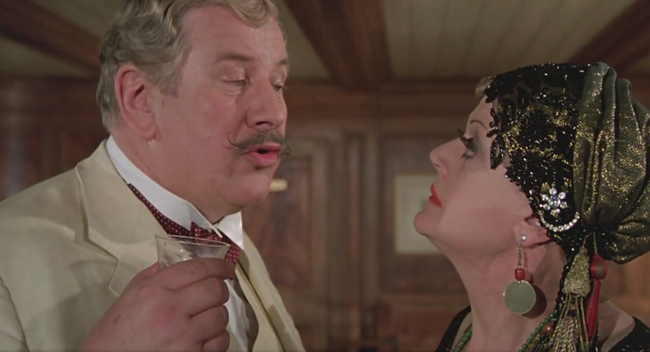Peter Ustinov & Angela Lansbury in Death On The Nile