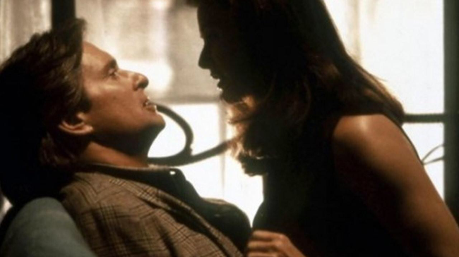 Michael Douglas & Demi Moore in Disclosure