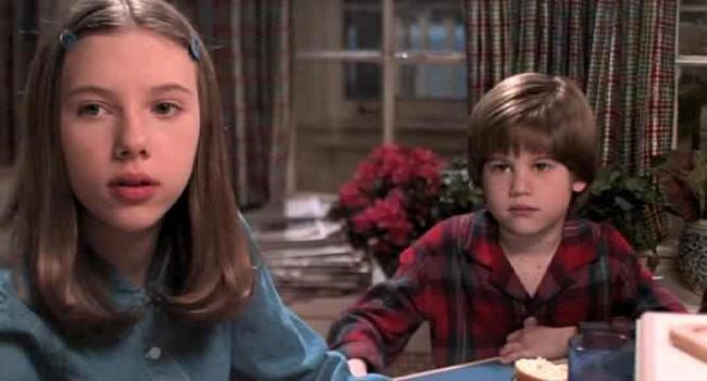 Scarlett Johansson & Alex D. Linz in Home Alone 3