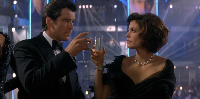 Pierce Brosnan & Teri Hatcher in Tomorrow Never Dies