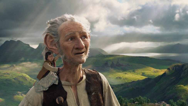 Ruby Barnhill & Mark Rylance in The BFG
