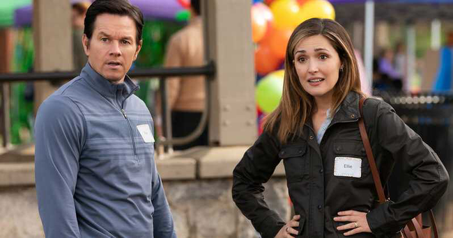 Mark Wahlberg & Rose Byrne in Instant Family