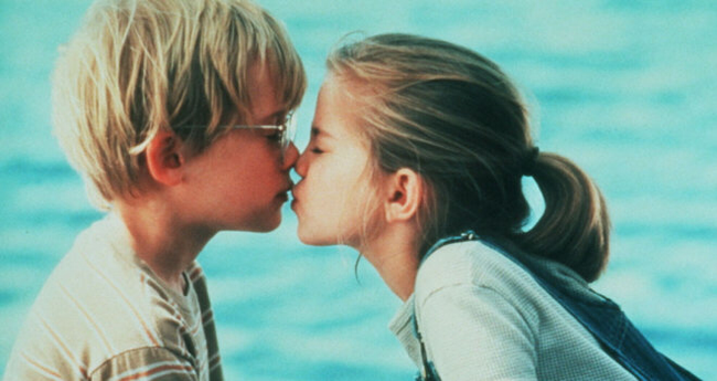 Macauley Culkin & Anna Chlumsky in My Girl