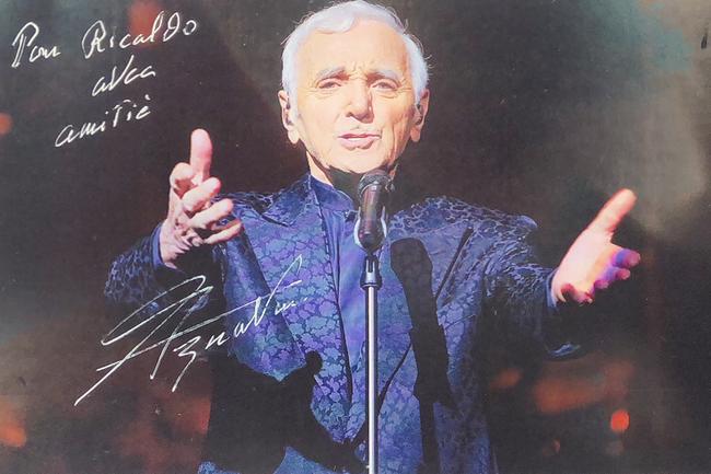 Autograph Charles Aznavour Autogramm