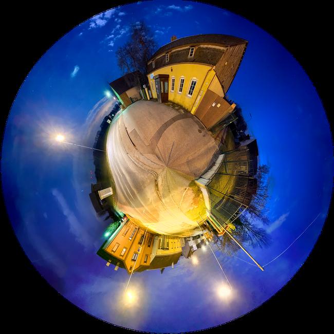 """""""little planet"""" Langzeitbelichtung mit Handy, 2 Bilder in PS Zusammengesetzt"""
