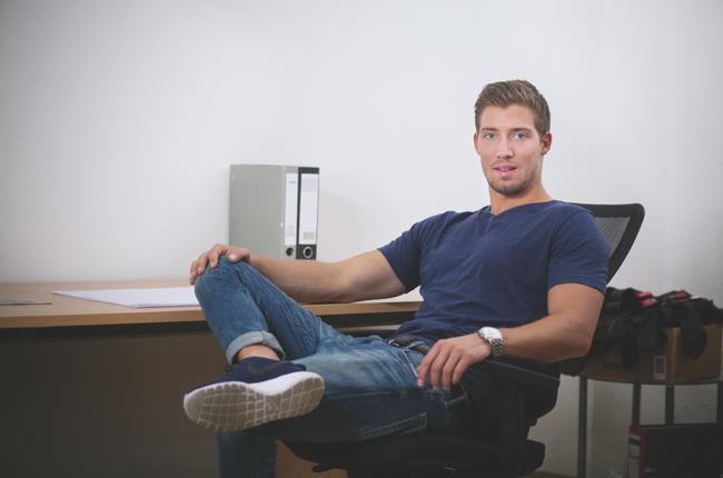 Philipp Riebold absolviert die Praxis seines Dual-Studiums im Radgeschäft.