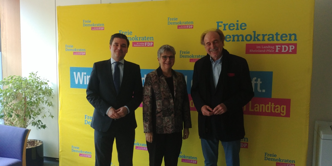 v. l. n. r. :  Etienne Emard, MdL Lerch u. Peter Stieber