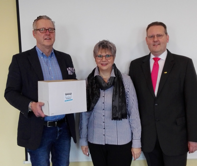 von links nach rechts: Hasso Mansfeld, Helga Lerch u. Michael J. Schwarz