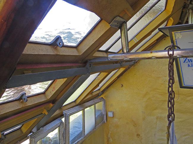 ein Dach aus Fenstern