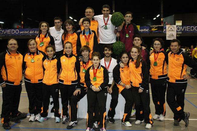 Los medallistas del equipo