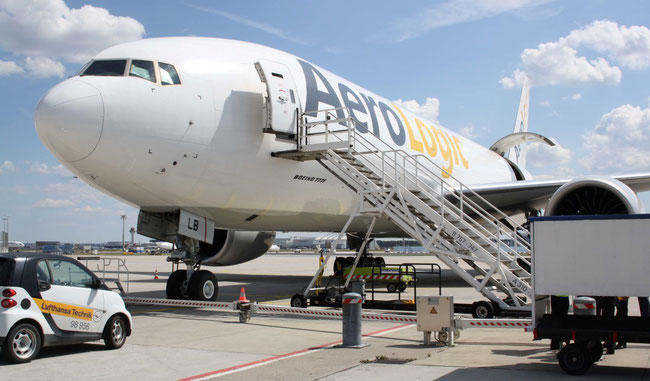 One of AeroLogic's B777Fs will fly exclusively for their shareholder Lufthansa Cargo  -  photos: hs