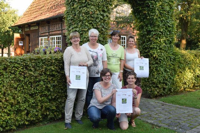 hinten: Jutta Berkensträter, Gaby Westhues, Helga Nordhoff, Sigrid Berkensträter vorne: Anne Voß, Judith Breloh